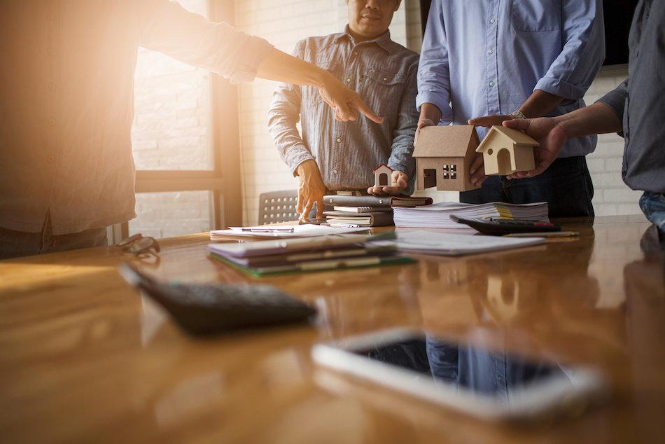 Real Estate Outlook Gloomier As Lenders Further Tighten Lending
